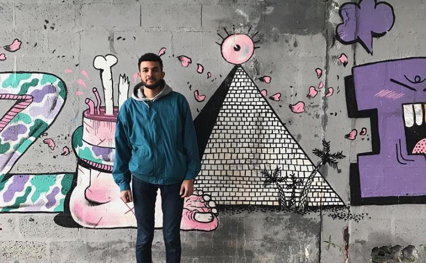 amiens-blue-grey-graffiti