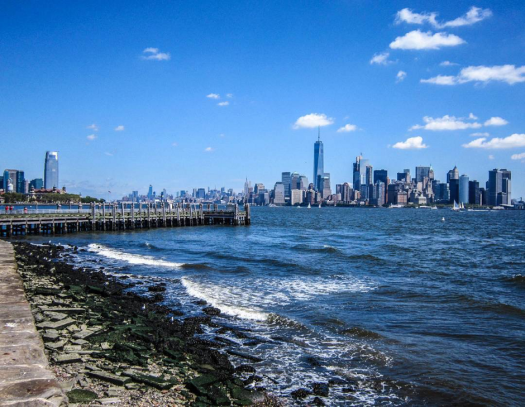 new-york-skyline-shore